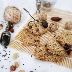 🇵🇱Chrupiące ciasteczka 🍪 - idealna przekąska którą możesz zabrać ze sobą. Lajkujcie jeśli chcecie widzieć więcej przepisów ❤️. Dzięki 😘. ⠀… Vegan Cake, Dairy, Cheese, Food, Raw Vegan Cake, Vegan Pie, Essen, Yemek, Meals