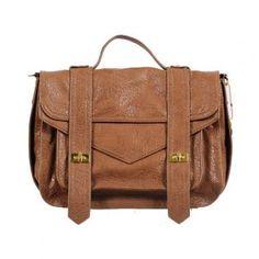 Loving this purse.