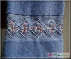 Marca: Karsten, 99% algodão e 1% viscose Medida: 33 x 50cm Cor: azul Trabalho: R$ 37,00