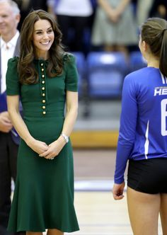 Kate Middleton Photos Photos - Catherine, Duchess of Cambridge visits Kelowna University during the Royal Tour of Canada on September 27, 2016 in Kelowna, Canada.