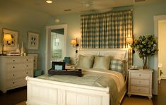 Cute guest bedroom idea minus the beach theme. Country chic