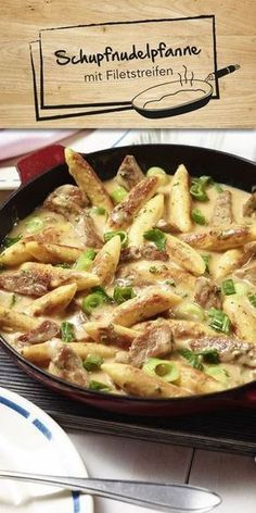 Schupfnudel-Filet-Pfanne Rezept Schupfnudel dishes are a classic and can be perfectly modified to your taste. How about our Schupfnudelpfanne with fillet strips? Also tastes good to demanding eaters and can be wonderfully prepared in large quantities. Meat Recipes, Pasta Recipes, Chicken Recipes, Dinner Recipes, Cooking Recipes, Healthy Recipes, Drink Recipes, Healthy Eating Tips, Healthy Nutrition