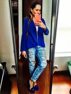 Boy friend jeans + blue blazer