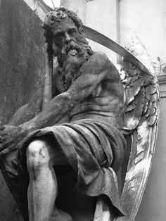 Saturno, dios de la agricultura y la cosecha. Padre de Jupiter, Neptuno, Plutón y Juno. En la mitología griega se le conoce como Cronos, dios del tiempo.