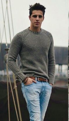 beautiful sweater dress Simple fall casual outfit featuring a gray waffle textured sweater light wash denim jeans brown leather belt wrist accessories Moda Formal, Big Men Fashion, Fashion Ideas, Men's Casual Fashion Over 40, Style Fashion, Denim Fashion, Fashion Rings, Herren Outfit, Mode Masculine