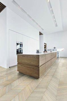 Ideale keuken, alleen in plaats van een witte meubel een donkere meubel