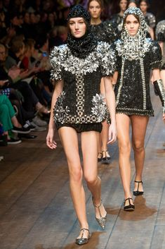 Dolce & Gabbana Fall 2014 RTW - Runway Photos - Fashion Week - Runway, Fashion Shows and Collections - Vogue Fashion News, Fashion Online, Fashion Show, Fashion Looks, Fashion Outfits, Fashion Design, Fashion Trends, Milan Fashion, Runway Fashion