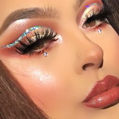 """373 Likes, 10 Comments - Chayla (@chaylachaylene) on Instagram: """"Close ups on last post ✨ Details: @anastasiabeverlyhills Soft Brown definer @morphebrushes x…"""""""