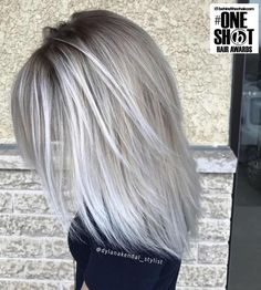 6 Great Balayage Short Hair Looks – Stylish Hairstyles Ice Blonde Hair, Balayage Hair Blonde, Platinum Blonde Hair, Red Balayage, Medium Hair Styles, Short Hair Styles, Silver Blonde, Blonde Hair With Silver Highlights, Silver Hair