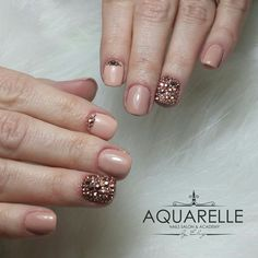 Chic nude nails enriched with  swarovsky crystals.  They are sooo sweet 😍
