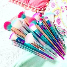Pretty Makeup Brushes from Cruelty Free Beauty Brand Girls With Attitude - Pure mermaid/unicorn GWA dreaminess Thank you Lucy Flight for your pic of all these vegan beauties Shop all brushes at www. Cute Makeup, Pretty Makeup, Beauty Makeup, Mac Makeup, Perfect Makeup, Unicorn Makeup, Mermaid Makeup, Makeup Brush Cleaner, Makeup Brush Set