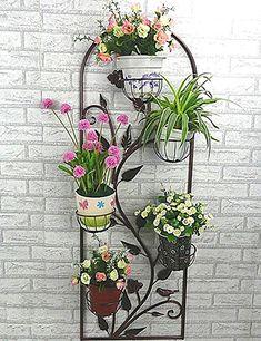 Creative Pot Ideas For Your Home Decor! Metal Planters, Hanging Planters, Flower Stands, Flower Boxes, House Plants Decor, Plant Decor, Garden Art, Garden Design, Vertikal Garden