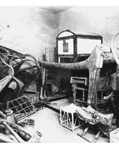 The antechamber of the tomb of Tutankhamun as first seen by the excavators © Griffith Institu