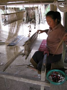The amazing hand weaving techniques of the Laos women who create textiles for JADEtribe