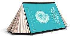 Wie großartig wäre es, in einem Buch zu schlafen? Dafür gibt es dieses Zelt.