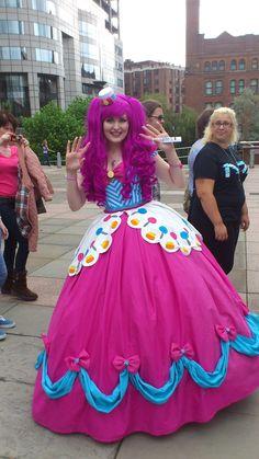 pinkie_pie_gala_dress_cosplay_by_powered_combat_vest-d5btwgb.jpg (1280×2276)
