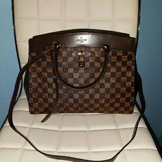 Leather Rivoli MM Shoulder Bag Brand new never worn Louis Vuitton Bags Shoulder Bags