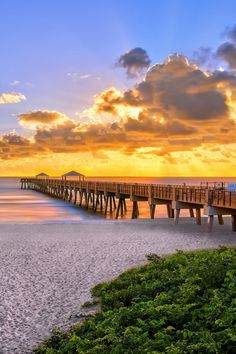 Sunrise at Juno Beach Pier, Florida (by Justin Kelefas on 500px)