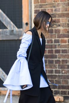 Hey, Sheila: Street Style from Australian Fashion Week Street Style Outfits, Street Style 2016, Street Style Looks, Street Chic, Funky Fashion, Cool Street Fashion, Women's Fashion, Mode City, Fashion Gone Rouge