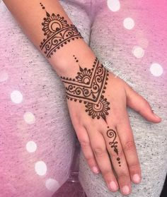 """87 Likes, 2 Comments - Hint of Henna (@hintofhenna) on Instagram: """"Market Henna ✨ Inspired by unknown artist """""""