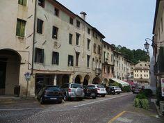 Via Regina Cornaro, Asolo, province de Trévise, Vénétie, Italie.   par byb64