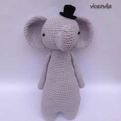 Tall Elephant by vicenvila. Crochet pattern by Little Bear Crochets: www.littlebearcrochets.com ❤️ #littlebearcrochets #amigurumi