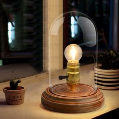 81.94$  Watch now - http://alihk0.worldwells.pw/go.php?t=32401535054 - vintage desk lamp European style glass shade bedside lamp led table lamp wood for bedroom retro lamps high-end abajur para qua 81.94$