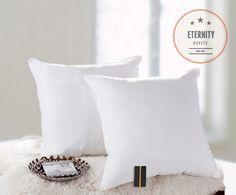 Nowoczesne poduszki w kolorze białym 63x63
