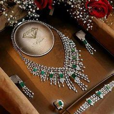 Beautiful #emeralds and #diamonds set by @alfaresjewellery #colombianemeralds