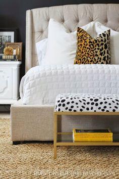 11 Genius IKEA Bedroom Hacks That Will Blow Your Mind - Zimmereinrichtung Bedroom Bench Ikea, Ikea Bedroom Furniture, Ikea Bench, Ikea Furniture Hacks, Bedroom Hacks, Ikea Hacks, Bedroom Decor, Furniture Nyc, Furniture Movers