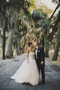 Classic Glam Georgia Wedding by Ariel Renae Photo - Southern Weddings Magazine