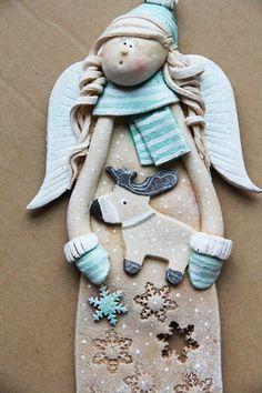 Znalezione obrazy dla zapytania łoś malowany boże narodzenie Christmas Craft Fair, Polymer Clay Christmas, Christmas Decorations To Make, Christmas Angels, Polymer Clay Ornaments, Polymer Clay Dolls, Polymer Clay Projects, Clay Crafts, Pottery Angels