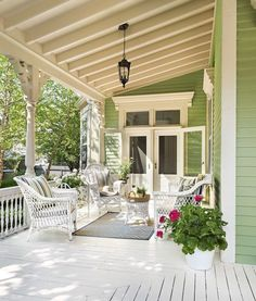 Bright and Airy Rehab for a Once-Gloomy Victorian - This Old House This Old House, Modern Farmhouse Porch, Farmhouse Front Porches, Rhode Island, Newport, Rustic Home Interiors, Victorian Interiors, Home Porch, Bright