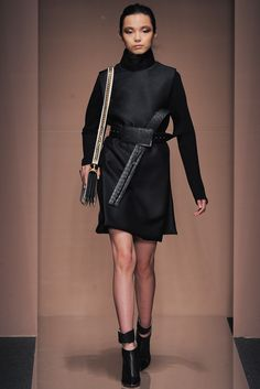 Gianfranco Ferré - Fall 2013 Ready-to-Wear