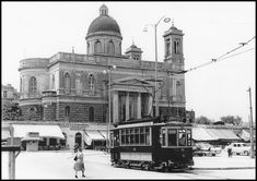 Old Photos, Vintage Photos, Architecture People, Athens Greece, Ancient Greek, Public Transport, Historical Photos, East Coast, Old Town