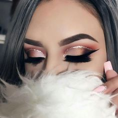 grafika makeup, beauty, and eyebrows #GlitterEyeshadow