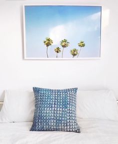 Brighten up your bedroom with this palm tree photograph art print by Minted artist, Alexandra Nazari. Photo by @juliusandvalentina.