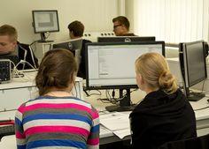 Praxis im Labor Technische Informatik der HfTL
