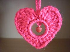 pretty heart you could use in jewelry making... Free pattern!!