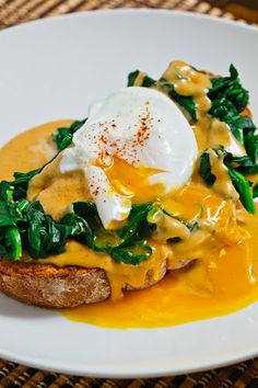 Buck Rarebit (Welsh Rarebit with Spinach and a Poached Egg), love Welsh Rarebit...this looks out of control good!