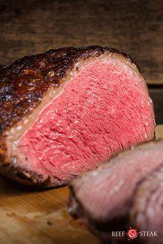 4-6 personen. 55 minuten. Picanha met een heerlijke, zelfgemaakte rub. Makkelijk te maken en te bereiden.   #recept #picanha #rundvlees Steaks, Bbq, Meat, Food, Beef Steaks, Barbecue, Barbacoa, Meal, Eten