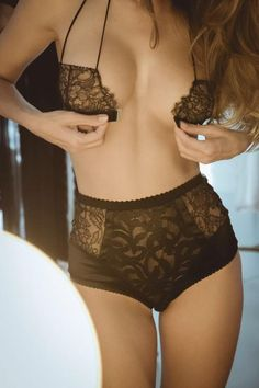 #Sexy @SiliconEros @BoudoirBeauties @totalsmokeshow @aquaman3180 @IDoLoveHotties @Realy_hot @S_L_Rocker @AubrianaRio