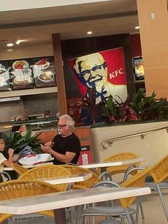 """""""That awkward moment when Colonel Sanders is eating at KFC"""" Funny Pix, Haha Funny, Funny Photos, Funny Memes, Funny Stuff, Funny Things, That's Hilarious, Random Stuff, Happy Things"""