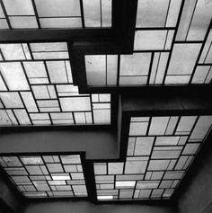 La vila Noailles Robert Mallet Stevens  Tellement de talents et d idées incroyables pour l'époque et une vue à couper le souffle sur Hyères. A voir et à revoir