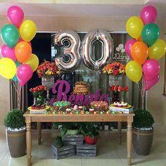 Alguém aí trintando?? Olhem que legal essa festa que vimos no IG @encontrodefestas . DECOR @danyfestas  #encontrodefestas #danybaloes #danyfestas #baloes #arteembaloes #euindico #edfindica #baloesmetalizados #baloesdegas #festaadulto #festainfantil