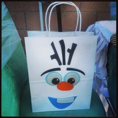 FROZEN. Olaf favor bag | CatchMyParty.com