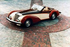 1982 Cumberford Martinique. A very interesting design. Powered by a BMW straight-six, it featured rosewood fenders and accents. Two were built.