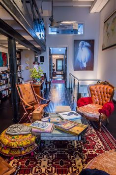 Investigating Decor Styles: Eclectic Collector