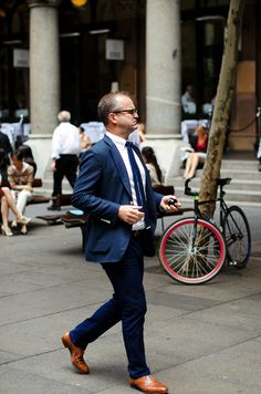 http://www.trashness.com/wp-content/uploads/2012/11/blue-white-brown-men-style-suit-streetstyle-sydney.jpg