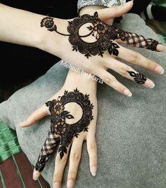 Round Mehndi Design, Modern Henna Designs, Henna Designs Feet, Finger Henna Designs, Latest Bridal Mehndi Designs, Mehndi Designs For Girls, Mehndi Designs For Beginners, Mehndi Design Photos, Wedding Mehndi Designs